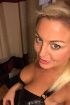 British Beauty Brooke (Belfast Escort)